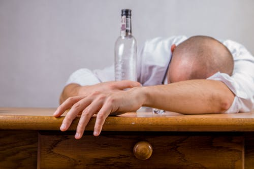 alcohol-hangover-event-death-52507.jpg