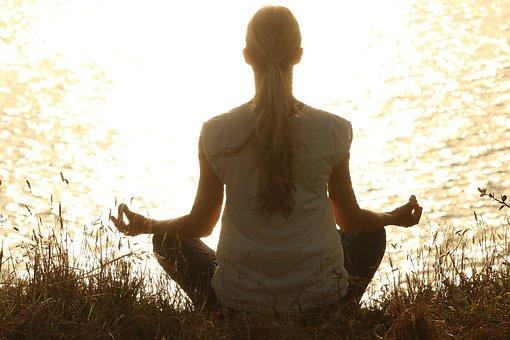 meditate-1851165__340.jpg