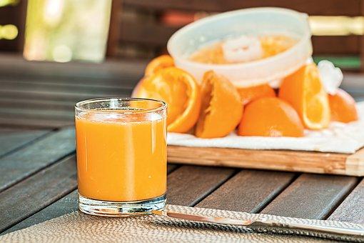 fresh-orange-juice-1614822__340.jpg